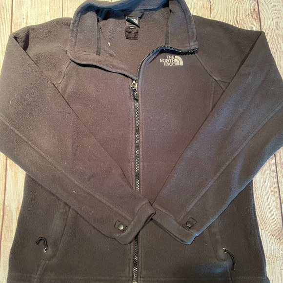 Black North Face Jacket - size medium